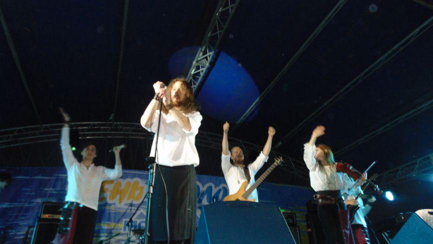Гурт «Веремій» запалив узбережжя Тетеріва своєю музикою. Фоторепортаж