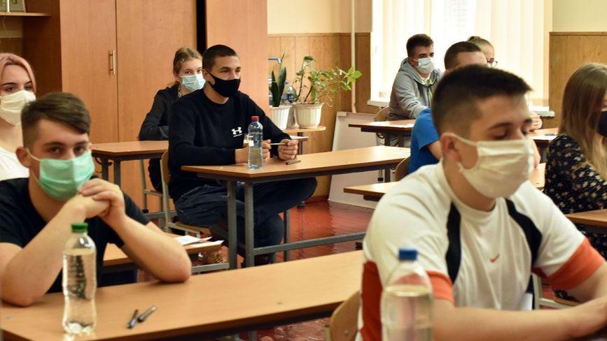 Як проходить ЗНО-2020 в умовах карантину на Житомирщині