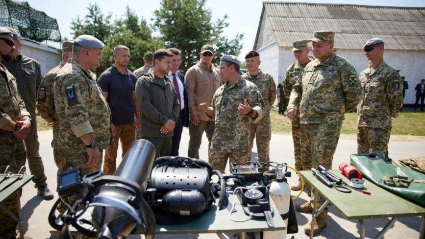 У Бердичеві Президент побував на навчанняхї ССО ЗСУ з десантування, захоплення ворога та евакуації