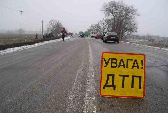 На Житомирщині поліцейська машина зіткнулася з ВАЗом