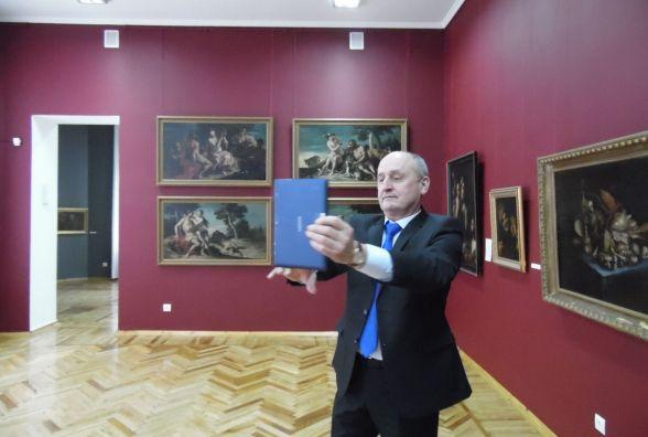 Хто з житомирських можновладців робить «селфі в музеї»