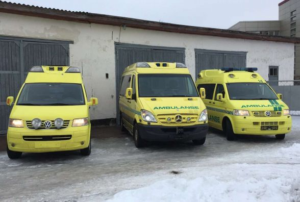 Благодійний фонд «ЦЕНТР УТЕПЛЕННЯ» передав 3 реанімобілі для жителів Житомирщини
