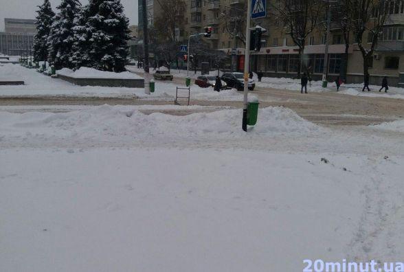 Житомир засипає снігом. Фоторепортаж