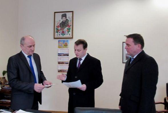 Депутати облради вимагають скликати позачергову сесію через сфальсифіковане погодження щодо ільменітів