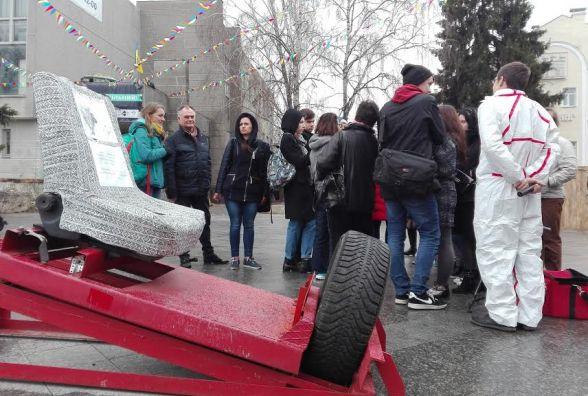 У Житомирі презентували «божевільний» атракціон «Посадка на астероїд»