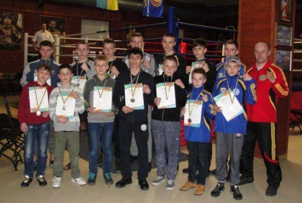 Житомиряни повернулися з медалями з чемпіонату Вінницької області з кікбоксингу