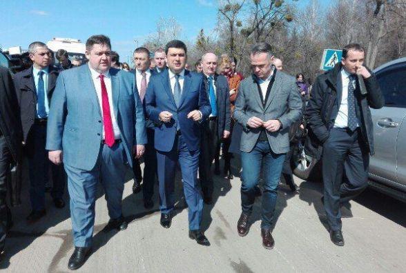 Українські дороги знаходяться в хронічно жахливому стані, - Володимир Гройсман