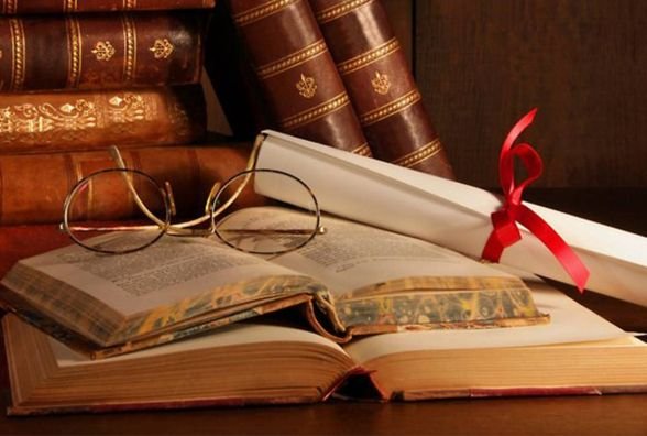 Великдень, подорожі та сучасна література: найяскравіші фести квітня!