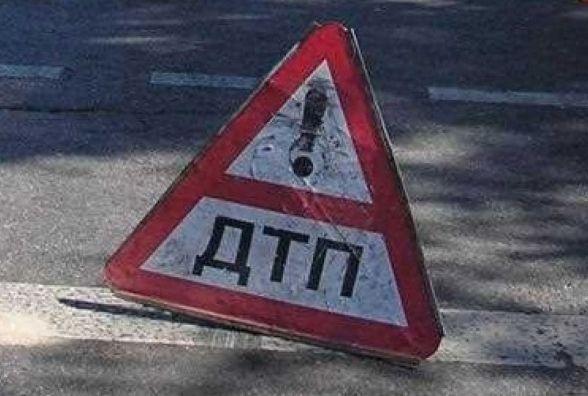 Під Житомиром перекинувся автомобіль: водій і пасажир госпіталізовані