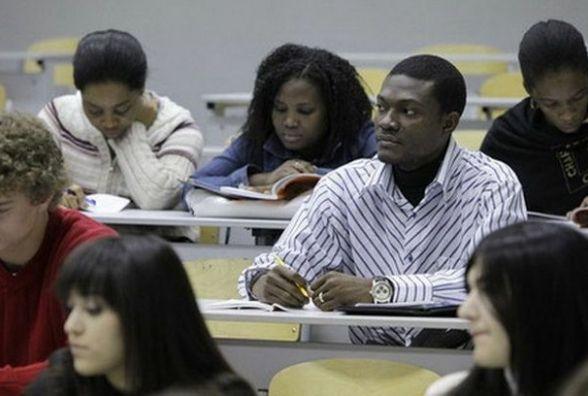 Для іноземних студентів хочуть запровадити обов'язковий іспит з мови навчання