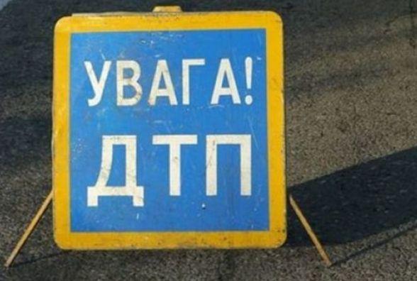 У Житомирській області автомобіль злетів у кювет: водій загинув, четверо осіб отримали травми