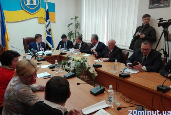 Члени Житомирського виконкому півтори години безрезультатно сварилися на тему вартості проїзду в маршрутках