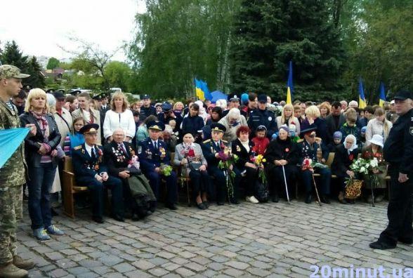 Житомиряни вшанували пам'ять загиблих і живих героїв Другої світової війни