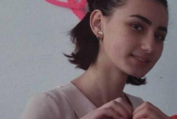 14-річна житомирянка Анна Литвинчук пише зворушливі патріотичні вірші