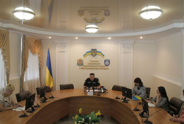 Резонансне розкриття: у Новоград-Волинському поліція затримала кримінальних авторитетів, які тримали у страху місцевих підприємців
