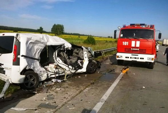 Смертельна ДТП на Житомирщині: зіткнулися легковик і вантажівка