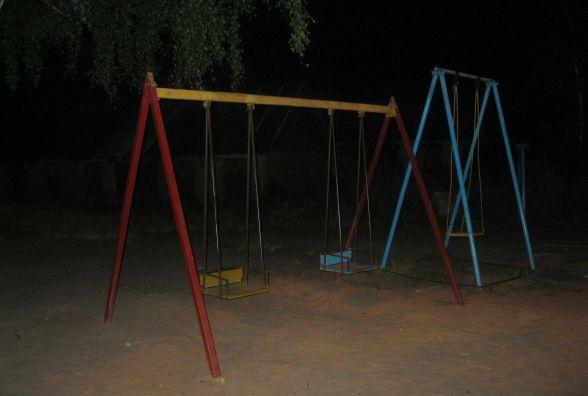 У Коростені 3-річна дитина потрапила до реанімації після удару гойдалкою