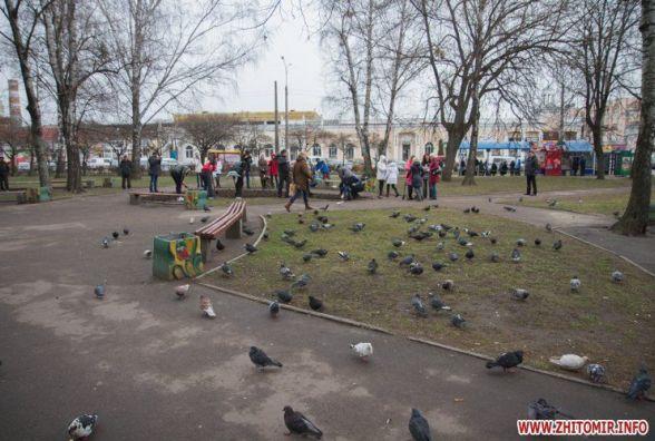 У сквері на розі вулиць Небесної Сотні і Лятошинського з`явиться торгівельний центр площею 150 кв. м
