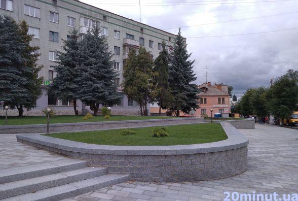 Фотофакт.  Сквер імені Ольжича майже готовий до відкриття