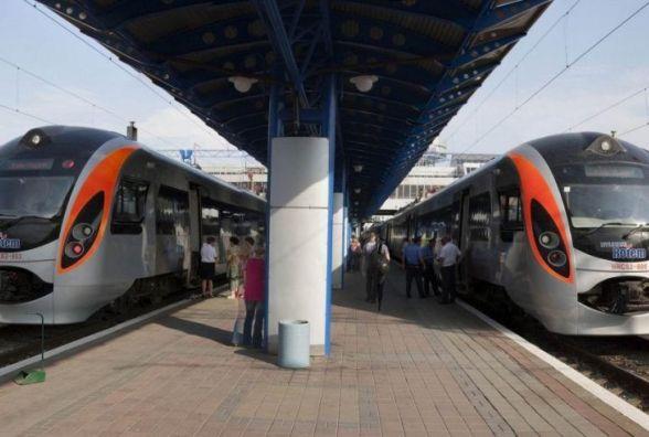"""""""Укрзалізниця"""" не підвищуватиме ціни на пасажирські перевезення"""