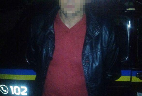 У Житомирі затримали киянина, який  поцупив з прилавка магазину телефон вартістю 14 тис. грн