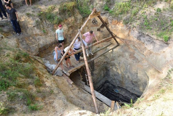 Бажаєте спробувати джерельної води з тисячолітнього колодязя?