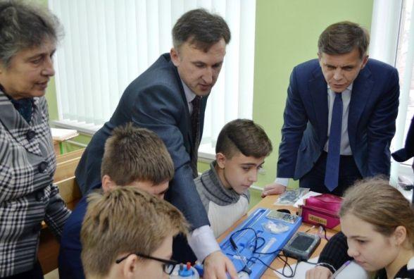 У Житомирському ліцеї №25 встановлено нове лабораторне обладнання