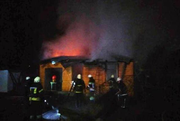 Для ліквідації пожежі у Житомирі знадобилося 3 відділення рятувальників