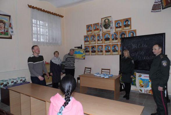 Подарунки отримали діти, які перебувають у слідчому ізоляторі