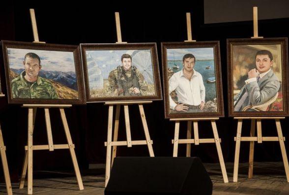 «Невидима варта»:  у Житомирі відкрили виставку картин про загиблих у війні на Сході працівників СБУ