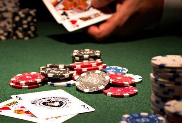У Житомирі викрили підпільні казино, що працювали під прикриттям державних лотерей