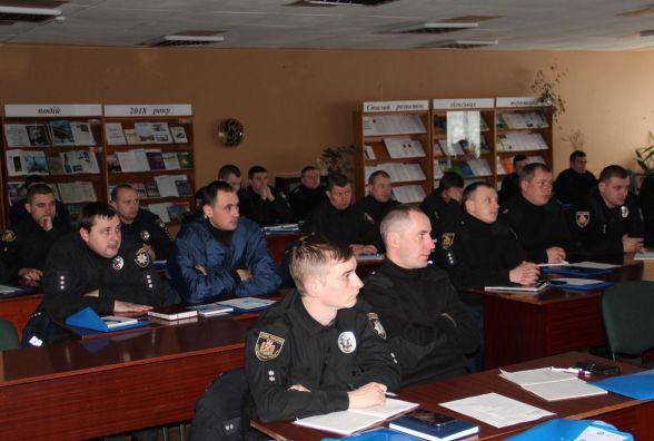 На Житомирщині дільничні вчилися спілкуванню з дементними громадянами та їх родинами