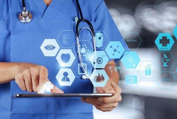 Нові амбулаторії та Інтернет у селах: як просувається медична реформа