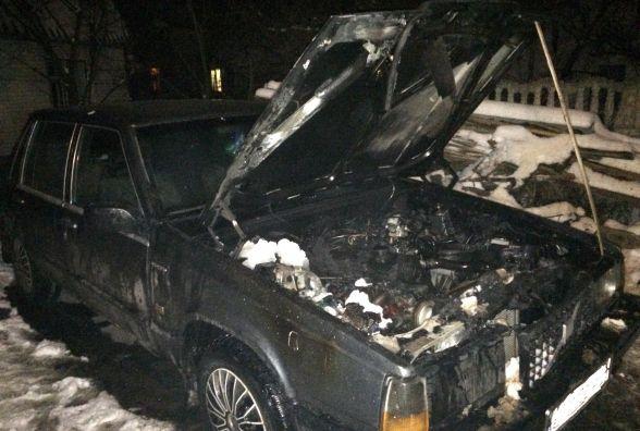 Житомирські рятувальники ліквідували загоряння легкового автомобіля