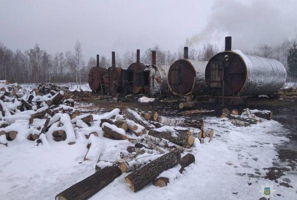 У Житомирському районі поліція поклала край нелегальному бізнесу з виробництва вугілля