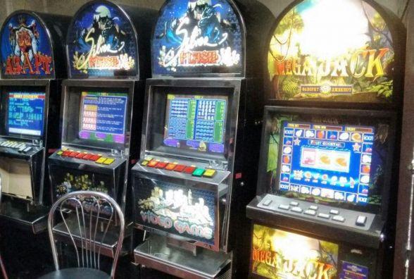 У Коростені закрили два нелегальних гральних заклади та вилучили майже 30 одиниць комп'ютерної техніки
