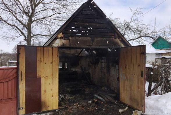 Житомирщина: горять господарчі будівлі