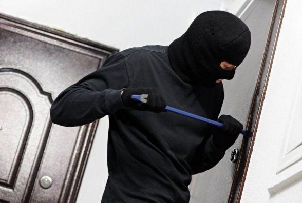 """У Любарському районі """"на гарячому"""" затримано групу крадіїв, яких підозрюють у причетності до серії злочинів"""