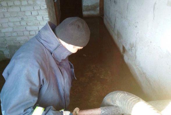 На Житомирщині рятувальники продовжують відкачувати ґрунтові води