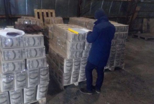 На території Житомирщини та Київщини виявили понад 6,3 тис літрів незаконно виготовленого алкоголю