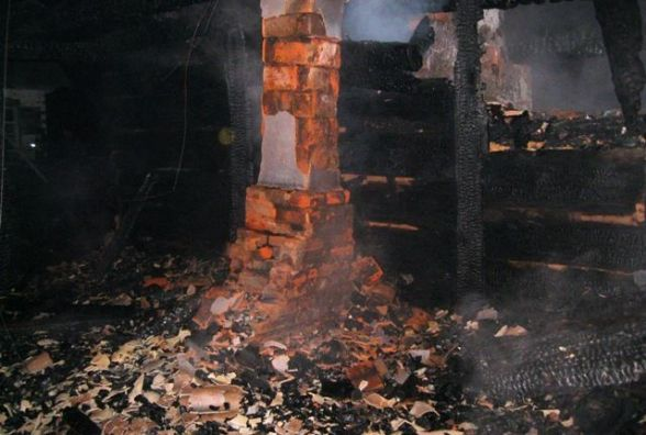 Коростенський район: під час пожежі у власній оселі загинув чоловік