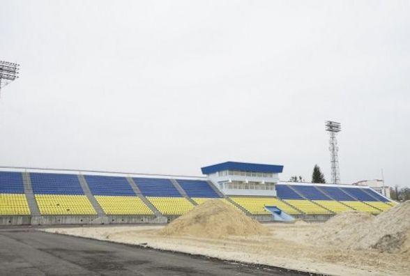 На стадіоні «Полісся» працюють над тренерською та тенісними кортами