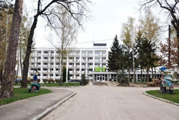 У Центрі вертебрології на Житомирщині вже переходять до ремонту другого поверху