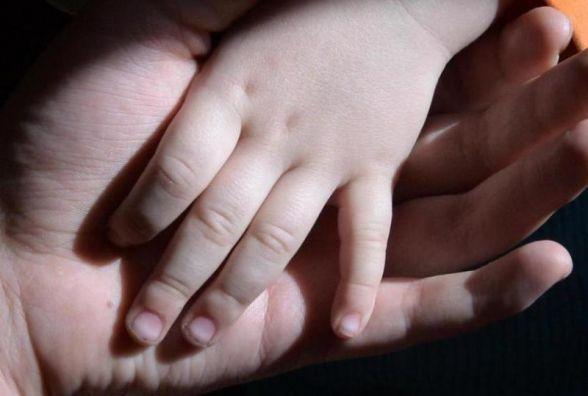 Мати у Житомирі забрала дітей з інтернату та покинула їх на вулиці