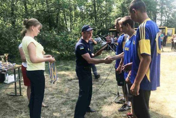 """Переможницею обласної """"Школи безпеки"""" стала команда житомирської школи № 17"""