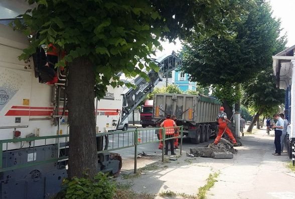 На вулиці Перемоги у Житомирі розпочалися ремонтні роботи, рух транспорту ускладнено