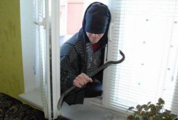 У Житомирі затримано квартирного злодія
