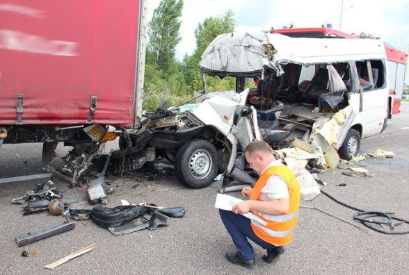 Автотроща під Глибочицею: не всі загиблі ідентифіковані + ВІДЕО