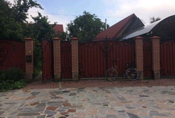 Родину на Бердичівщині грабіжники катували прасками і ножем, постраждала сім'я відомого фермера
