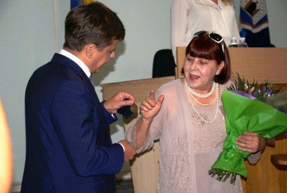 Керівнику зразкового хору «Gloria»Наталії Клименко вручено відзнаку «За заслуги перед містом»